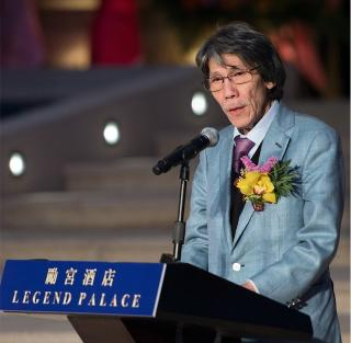 Wife replaces Chow as Macau Legend CEO, firm in 2019 loss