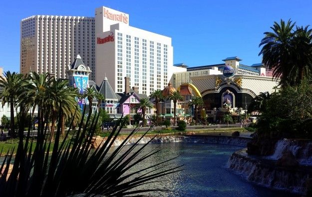 Caesars expects casino unit to exit bankruptcy by Oct 6