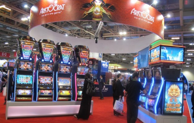 Aristocrat Leisure fiscal 2014 loss on strategy moves