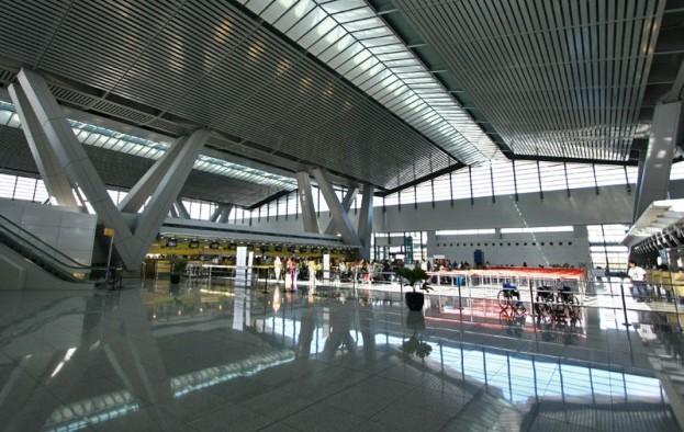 Manila airport plan: heroic or villainous?