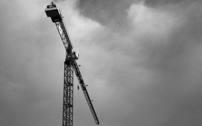 Parisian construction suspended after work accident