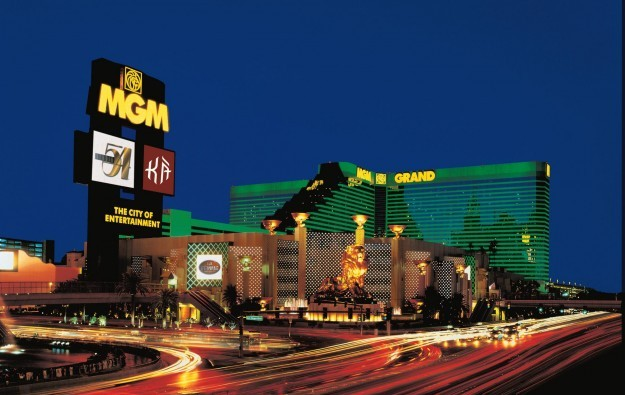 MGM Resorts announces share buy-back, chief digital officer