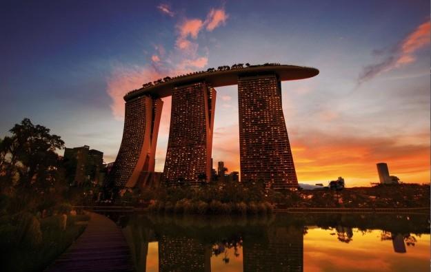 Singapore GGR to decline 2.4pct in full 2018: Bernstein