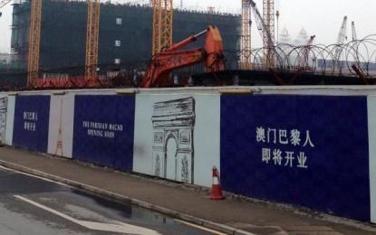 Sands' Parisian construction still part-suspended