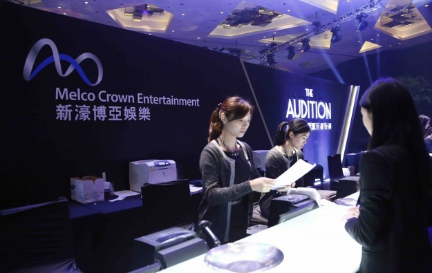 Macau casino firms up efforts to hire fresh local talent