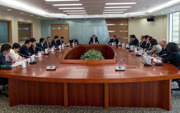 Macau govt urges casino execs to promote more locals