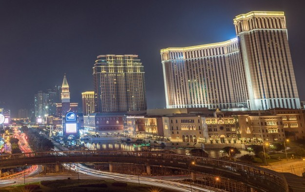 Macau casino GGR to expand 12 pct in 2017: Fitch