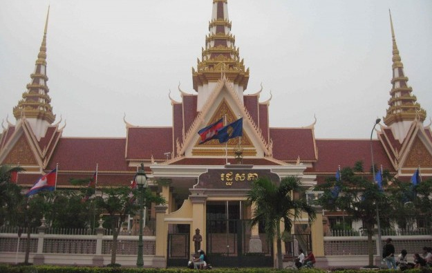 Cambodia govt 2016 casino take up 40 pct: report