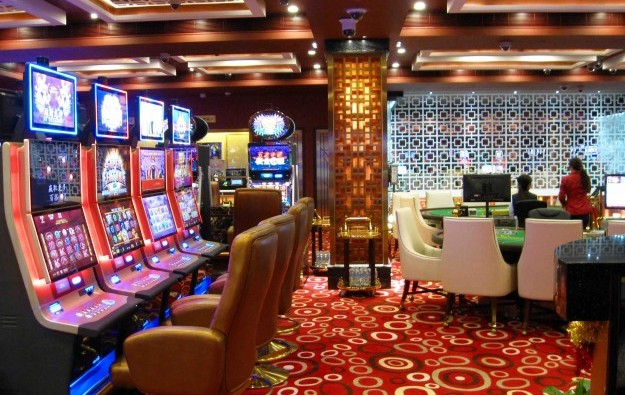 Macau casino to tap junket agents for VIP slot players