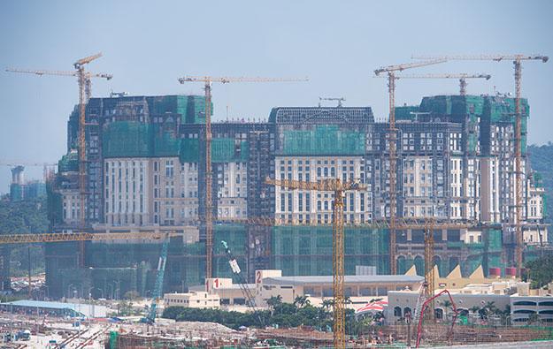 Grand Lisboa Palace hopes for at least 150 tables: So