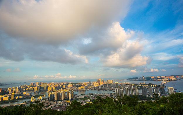 Bear case sees virus roil Macau until autumn: analysts