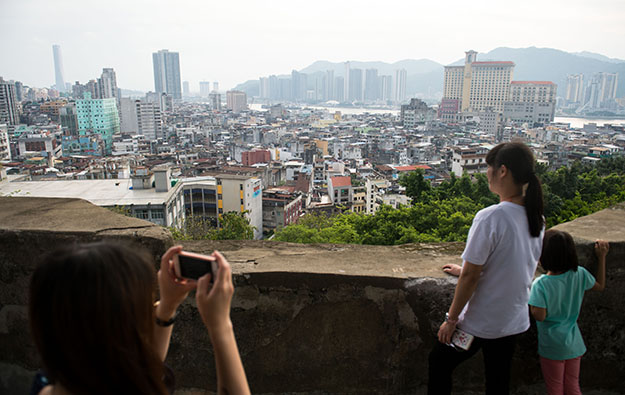 Macau govt flags offers for returning mainland tourists