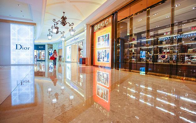 Macau 1Q retail sales nearly halved: govt