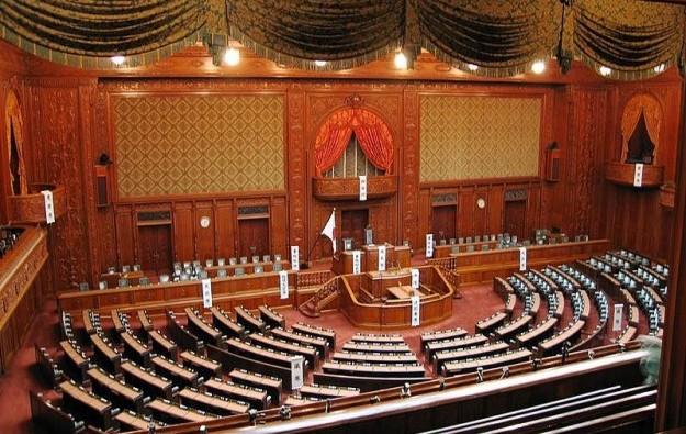 Japan mulls extending Diet session to pass IR bill