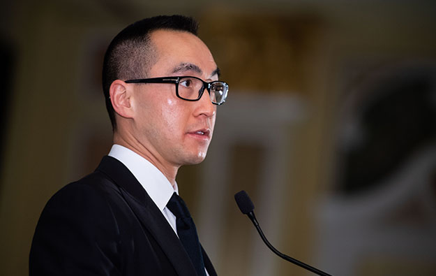 Lawrence Ho pledges annual base pay to Melco share plan