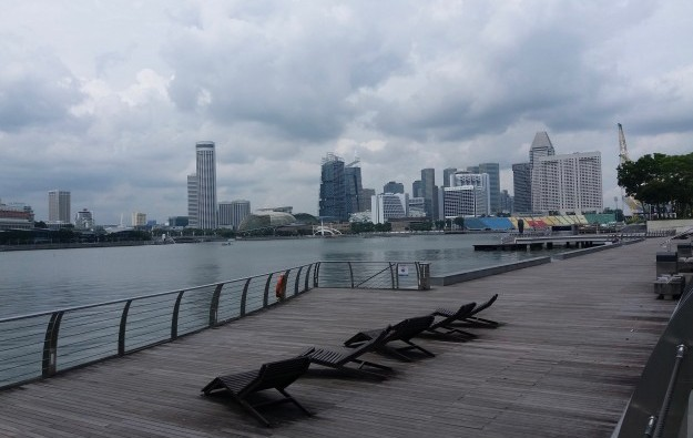 Singapore bans foreigner short visas, transit from Tuesday