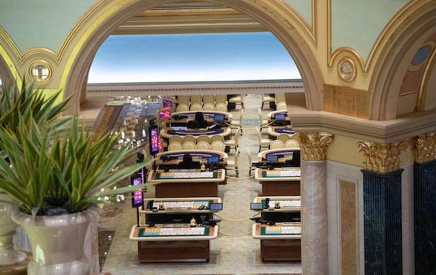 Macau govt non-committal on casino closure extension