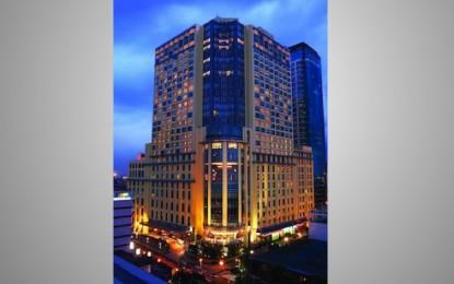 Int Enthalf-year loss up, mulls financing for Manila IR