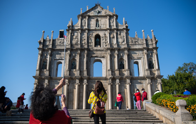 MacauCNYvisitor tally 90,615, down 65pct on prior year