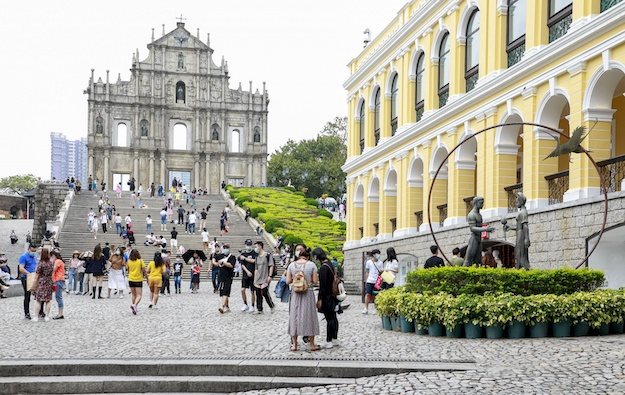 Poss 30k visits daily Oct Golden Week says Macau trade rep