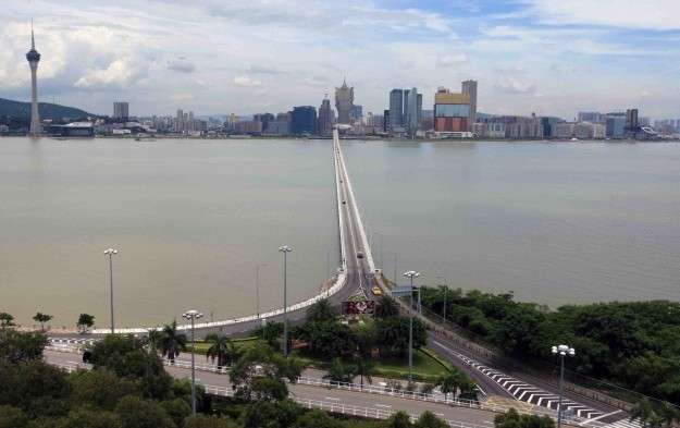 Macau govt intake from gaming tax drops 30 pct in Jan