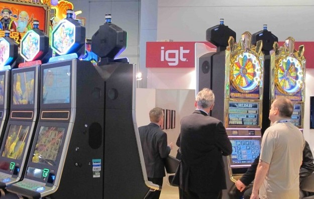 IGT quarterly net income beats estimates