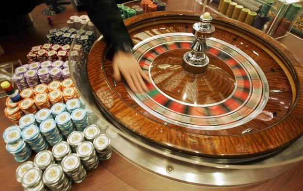 Mid-level mgmt of casinos most sought: govt survey