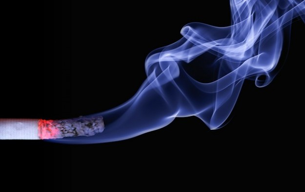 Macau govt details new smoking lounge standards