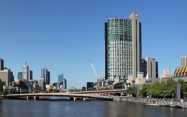 Crown Melbourne reaches deal for licence extension