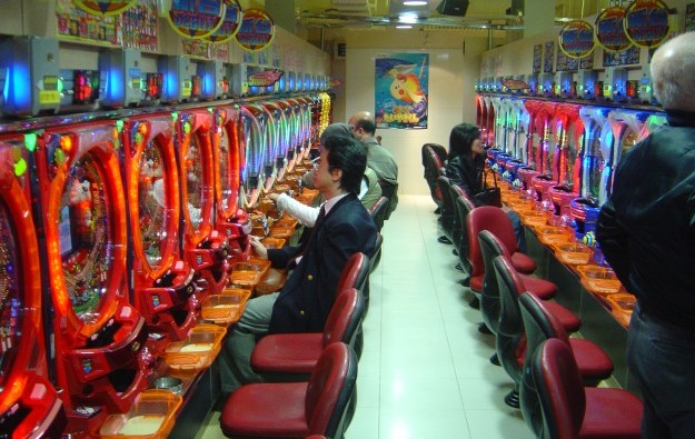 Pachinko operator plans smartphone game