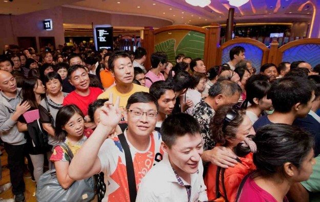 Visitors to Macau more satisfied with casinos: survey