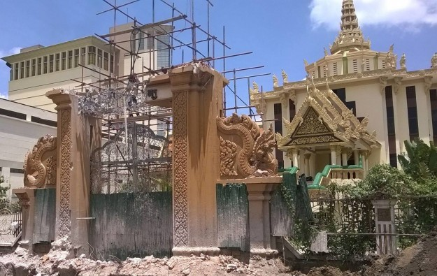 Cambodia PM says no NagaWorld takeover of Buddhist site