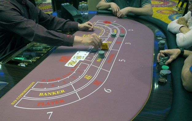 11 Macau labour groups back casino staff gambling ban