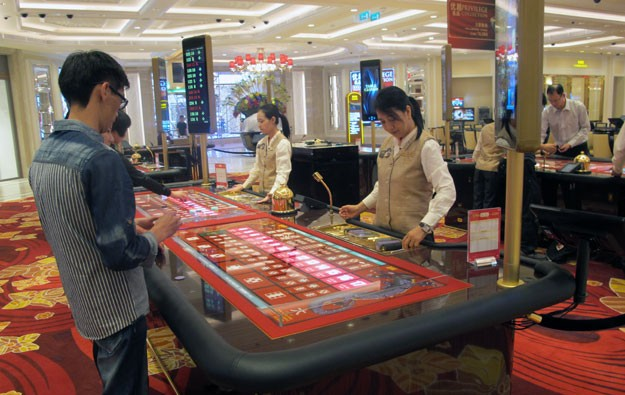 More working in Macau gaming despite downturn