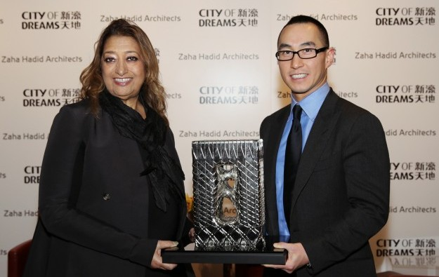 Melco Crown mourns architect, not expecting hotel delay
