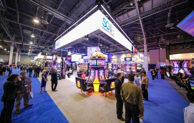 Scientific Games widens 1Q loss, reduces debt a little