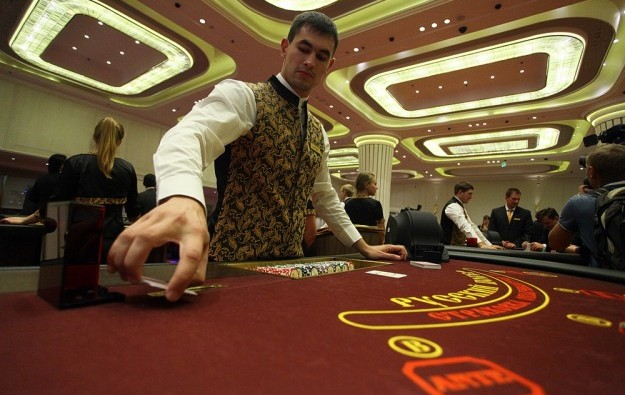 Macau junkets add bite to Russian casino's roll
