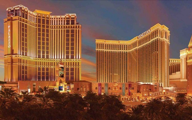 Las Vegas Sands to suspend operations in Las Vegas