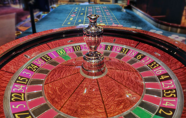 Vietnamese casino gamblers face wage test: report
