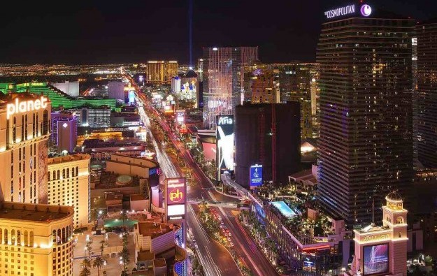 Nevada casino capacity halved to 25pct amid rise in virus