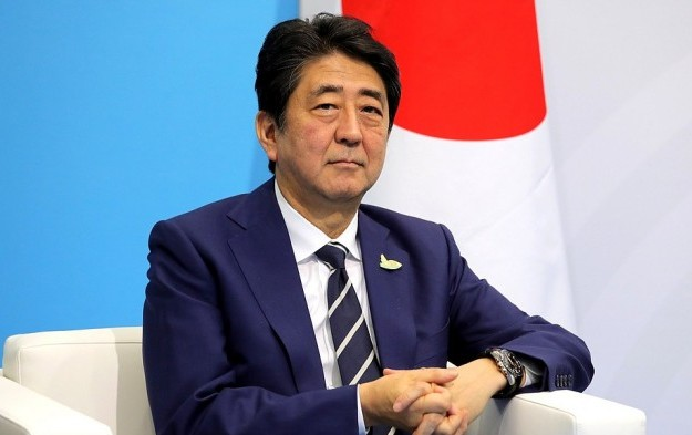 Abe rejects call for probe on casino lobbying in Japan