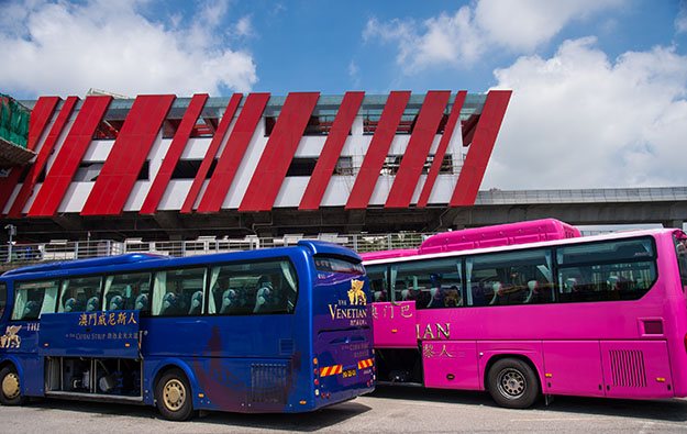 Macau casino ops mull joint shuttles from HKZM Bridge