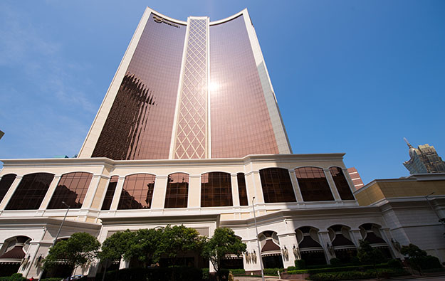 Falling VIP play as Wynn's Macau profit slides 16 pct