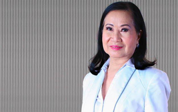 Pagcor head urges her boss Duterte to ease casino ban