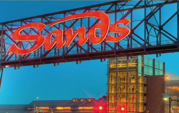 Eaton Vance Management Reduces Position in Las Vegas Sands Corp. (NYSE:LVS)