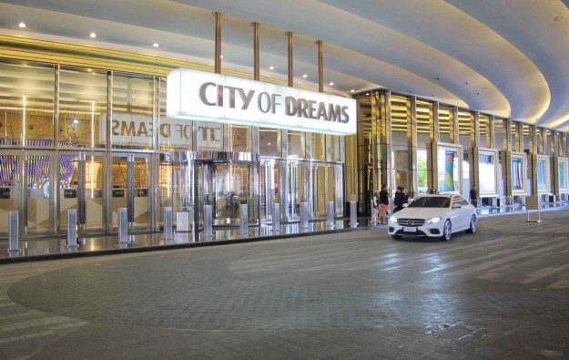 Melco Resorts Philippines flags plan to delist