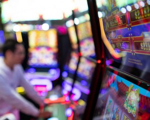 Slot makers call for profit sharing to be allowed in Macau