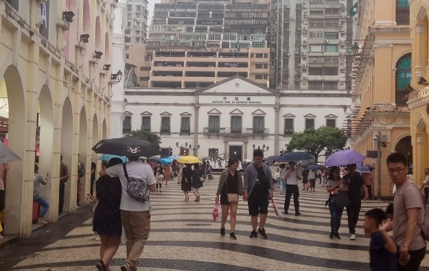 Macau arrivals tally 374,000 for May 1 and 2: police
